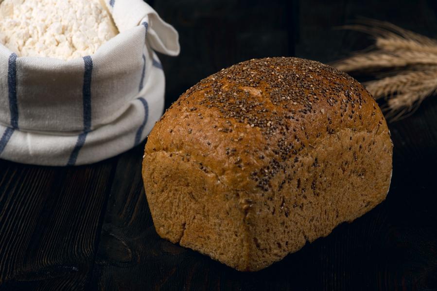 Chleb z ziarnem